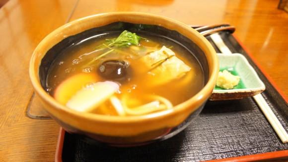 Kuzu ankake udon (dipped thick soup)