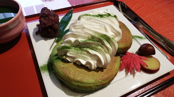 Pancake of Matcha with Drink