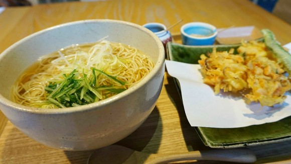 Soba noodle and vegetable Tempra