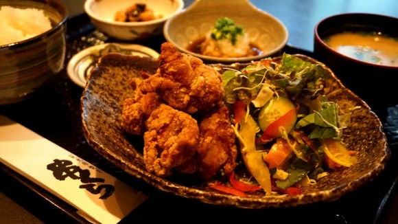 Fried Chicken set(with Rice, Pickles, Miso soup, Salad, Small dish)