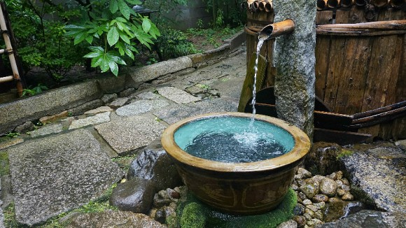 Momonoi (a well)