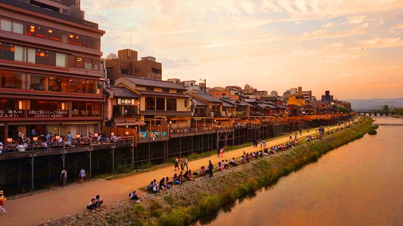 Yuka - Outdoor Riverside Dining in Sunset and Night of Kiyamachi
