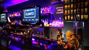GAME BAR CLANTZ 室内